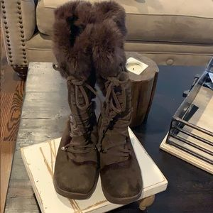 Bear paw faux fur boots